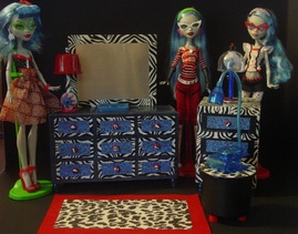 Monster High Goulia's Bedroom Furniture