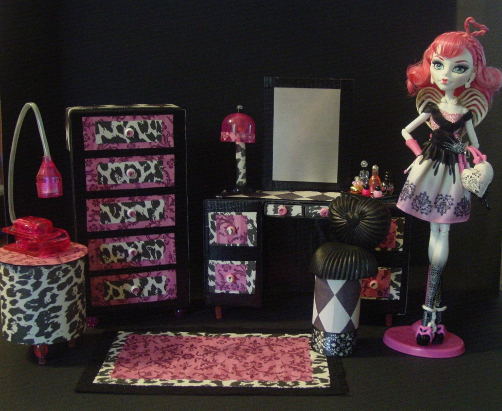 Monster High Cupids Furnitur