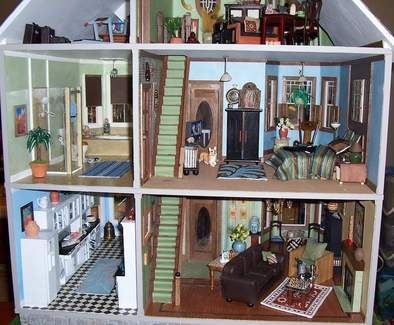 San Franciscan Dollhouse back