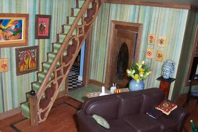 San Franciscan Dollhouse Living Room 2