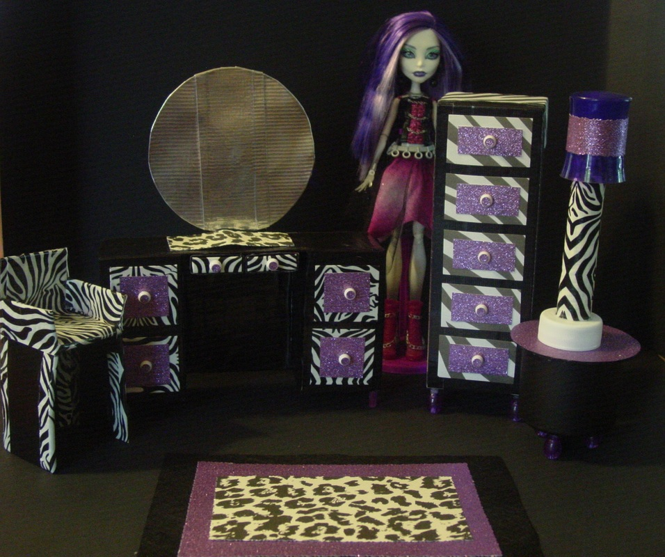 monster high dollhouse project my small obsession. Black Bedroom Furniture Sets. Home Design Ideas